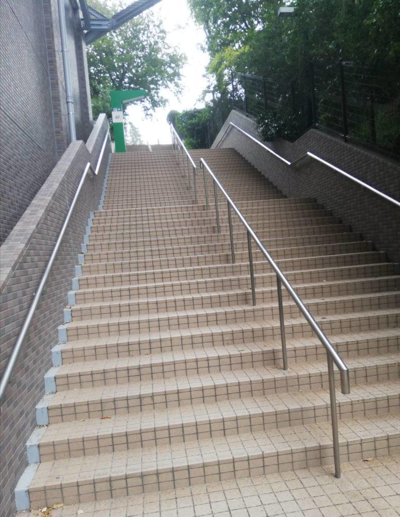 松戸中央公園松戸駅階段