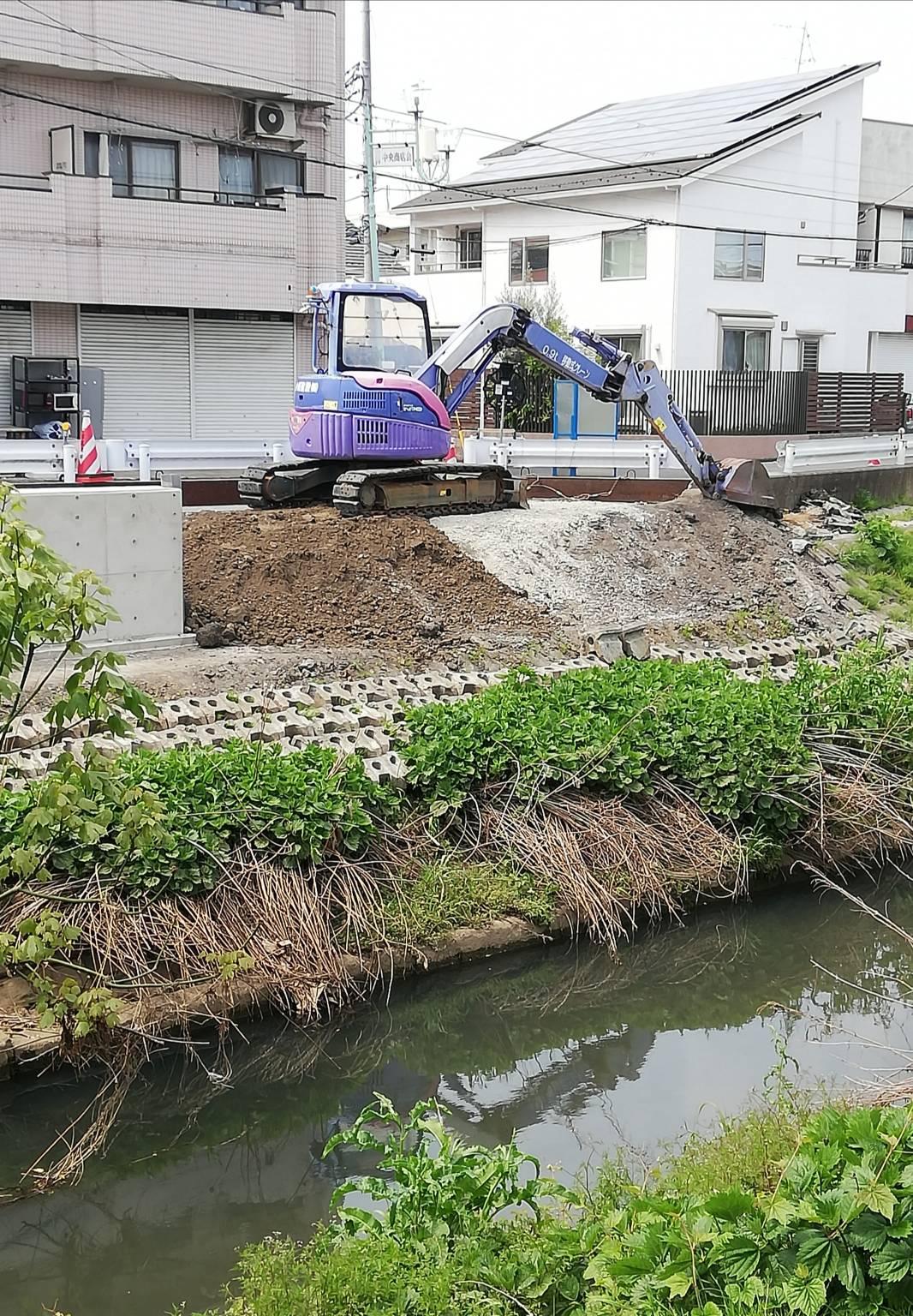 新松戸3丁目護岸の補修工事