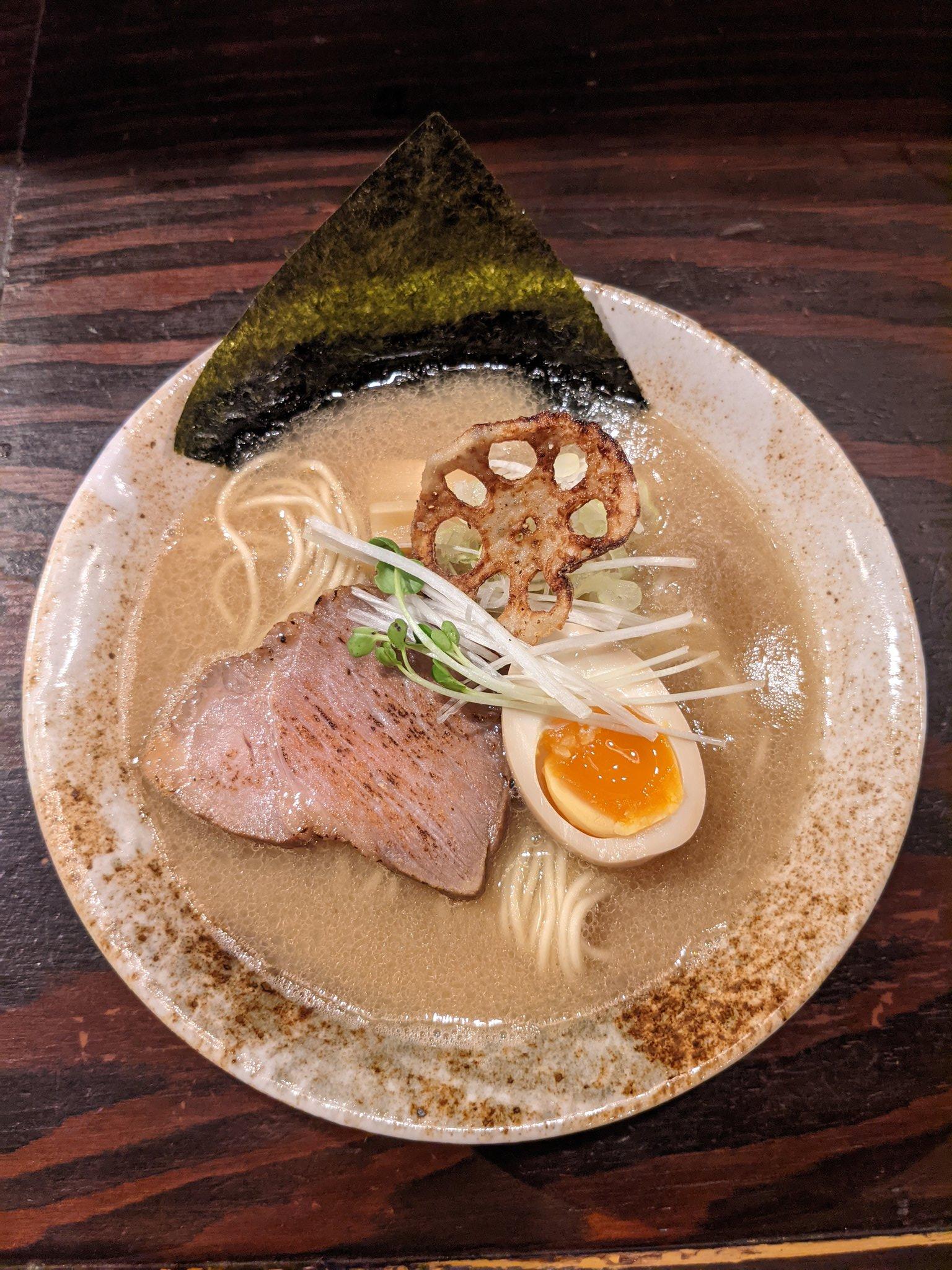 ドロ醤油ラーメン三虎松戸市
