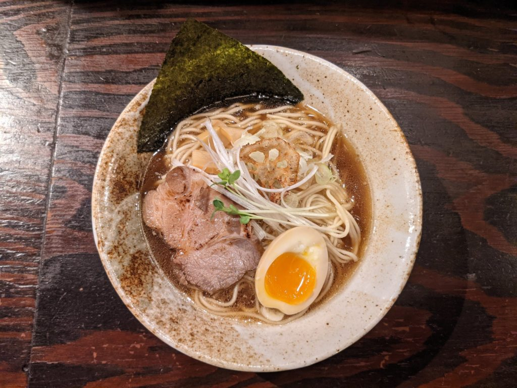 三虎醤油ラーメン松戸駅