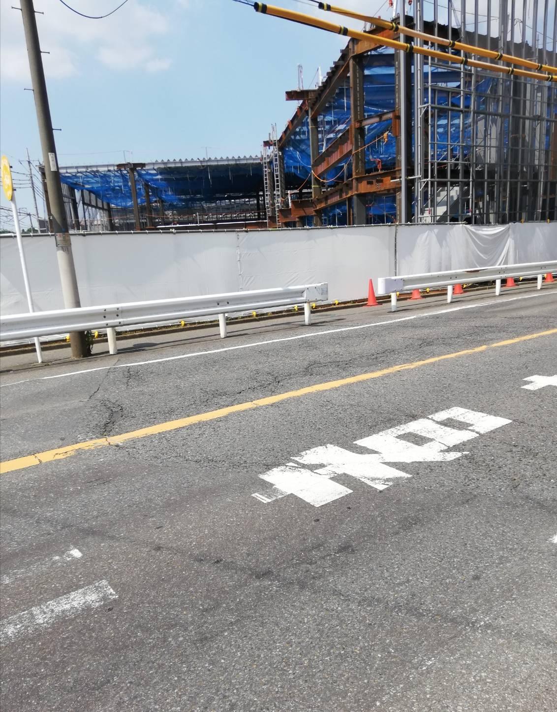 八柱さくら通り入口近く道路補修工事
